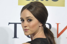 Lessons in History and Fashion from 'TURN: Washington Spies' Actress Heather Lind