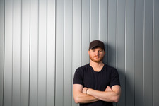 Country Music's Eric Paslay Answers Our 4 Burning Questions Before the Grammys