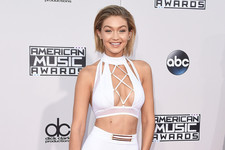 All the Looks from the 2015 American Music Awards