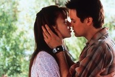 Mandy Moore Just Found the Best Prop from 'A Walk to Remember'