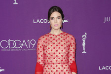 Look of the Day: Mandy Moore's Romantic Reds