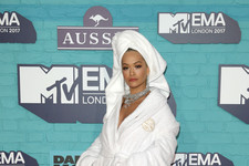 Every Look from the 2017 MTV EMAs