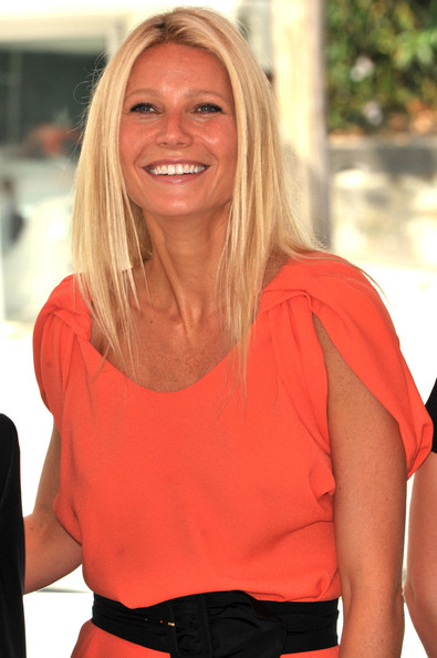 Actress Gwyneth Paltrow arrives by Gondola and then poses at the 'Contagion' photo call during the 68th Venice Film Festival at the Palazzo del Cinema on September 3, 2011 in Venice, Italy.