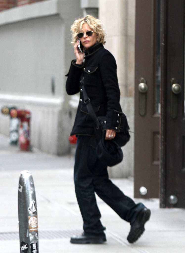 meg ryan in meg ryan walks and talks in soho zimbio