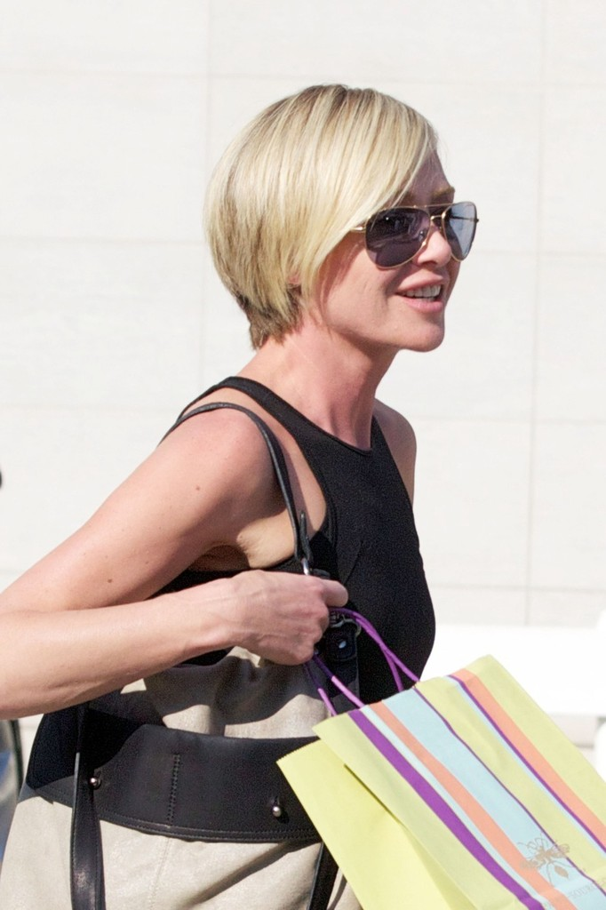 Portia De Rossi Photos Photos Portia De Rossi Shops In Beverly