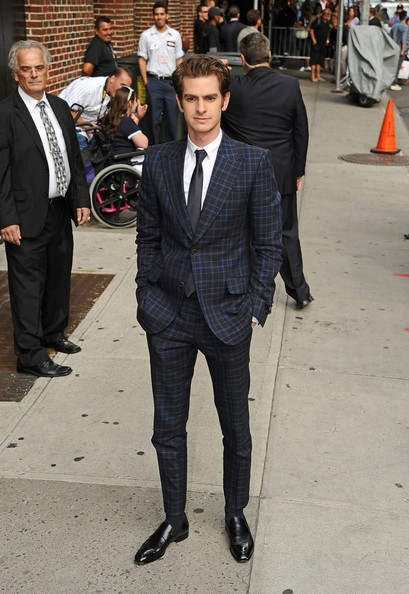http://www1.pictures.zimbio.com/pc/Andrew+Garfield+Andrew+Garfield+Out+NYC+b27h32aHcP3l.jpg