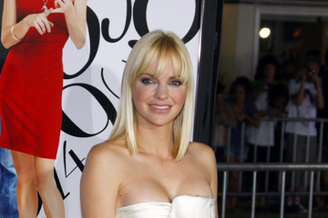 """Anna Faris Bob Anna Faris at the Los Angeles premiere of """"What's Your Number?"""""""