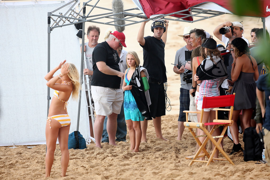 "Actress In Soul Surfer: Lorraine Nicholson In AnnaSophia Robb Films ""Soul Surfer"