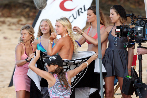Actress In Soul Surfer: Annasophia Robb Lorraine Nicholson Photos Photos