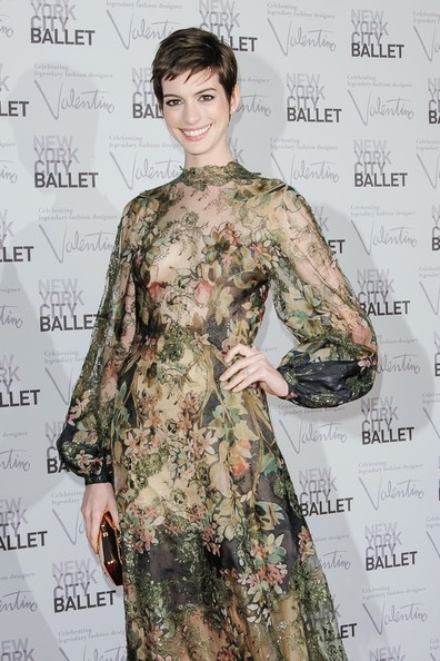 Anne Hathaway - Anne Hathaway  on the New York City Ballet's Fall Gala red carpet