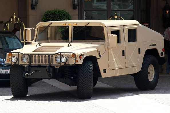 Hummer in arnold schwarzenegger shows off his love for for Christina hummer