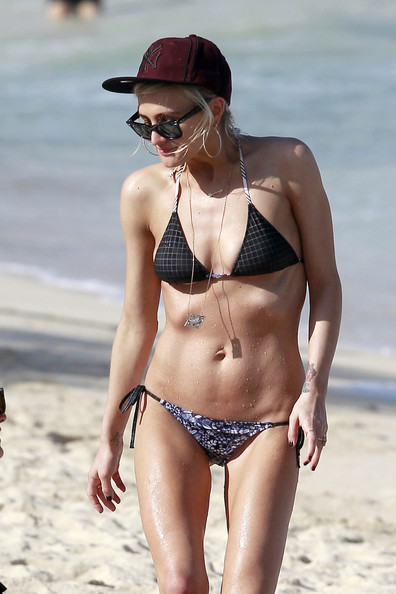 Ashlee Simpson in Ashlee Simpson Hits the Beach in a ... Ashlee Simpson Married