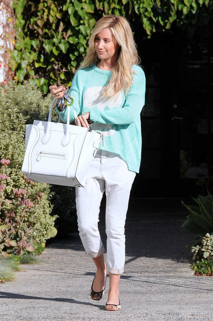 Ashley Tisdale Photos Photos - Ashley Tisdale Looks Through Her ...