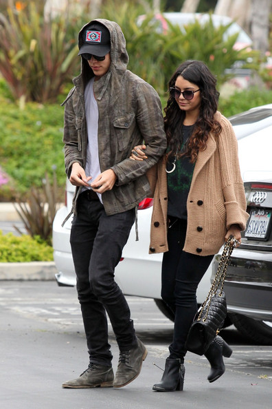 Austin butler dating now