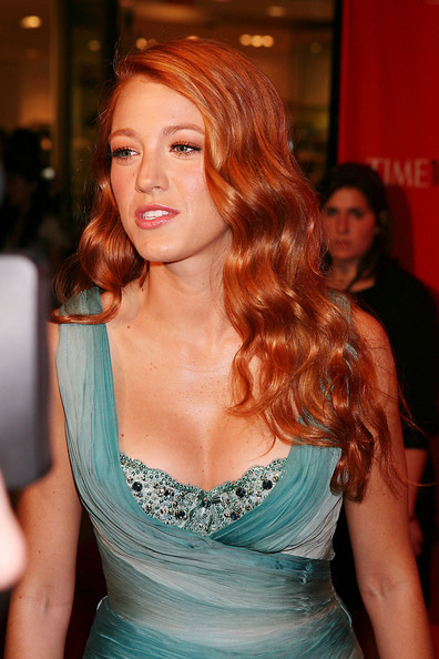 blake lively red hair. Blake Lively, sporting new red