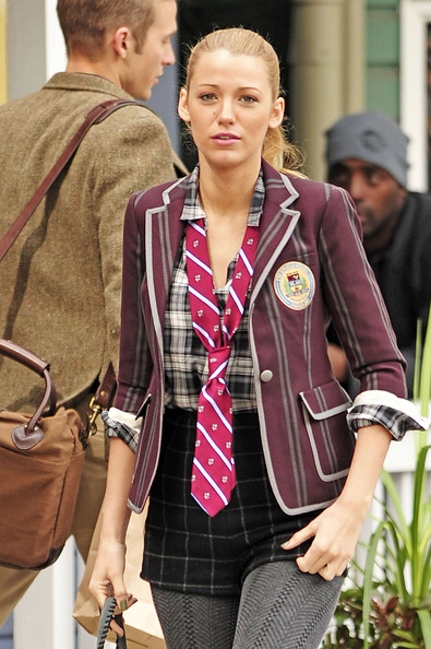 blake lively pictures leighton meester on the set of