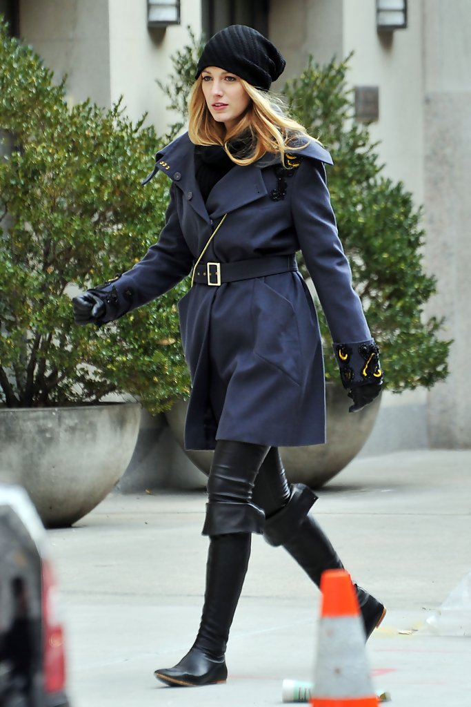 Blake Lively Shows Us How To Look Cute In The Winter How