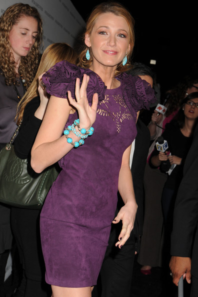 http://www1.pictures.zimbio.com/pc/Blake+Lively+wows+plum+Marchesa+Spring+2011+tGo9NLZ4-Ahl.jpg