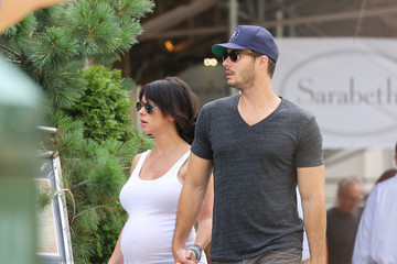 Brian Hallisay Jennifer Love Hewitt and Her Fiance Take a Stroll