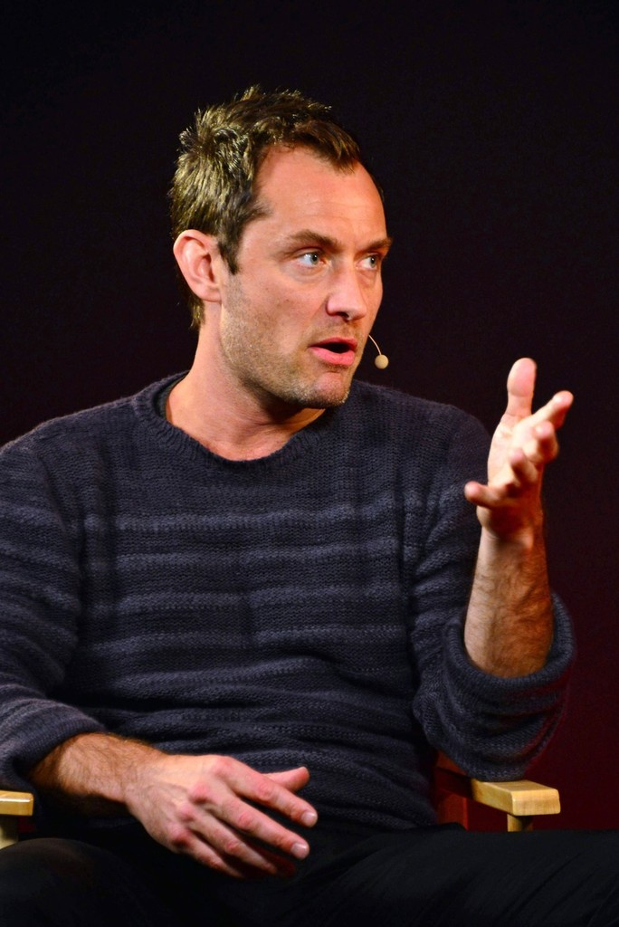 Jude Law Photos Photos...