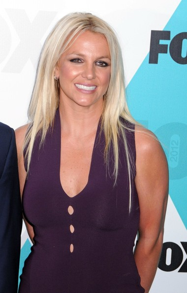 http://www1.pictures.zimbio.com/pc/Britney+Spears+Celebs+FOX+Upfronts+After+Party+ShQKCws4pizl.jpg