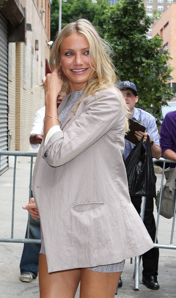 cameron diaz the mask stripe dress. pictures cameron diaz the mask