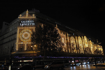 Charlie Winston Charlie Winston switches on the Christmas lights at the Lafayette Galleries in Paris