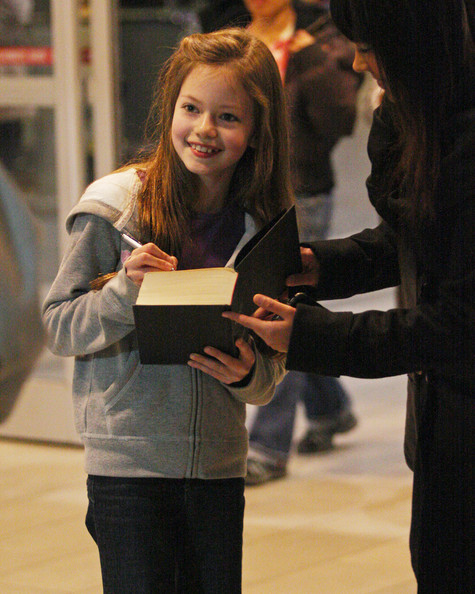 Child star Mackenzie Foy arrives in Vancouver to film the latest installment of