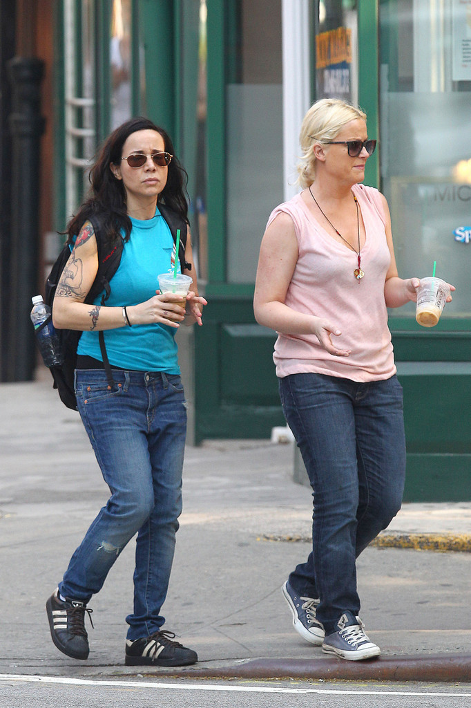 Janeane Garofalo Photos Photos Amy Poehler And Janeane