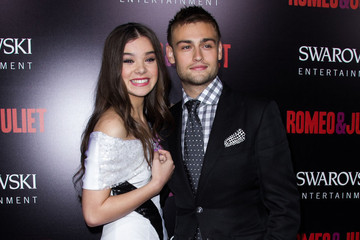 Douglas Booth Hailee Steinfeld 'Romeo and Juliet' Premieres in Hollywood — Part 2