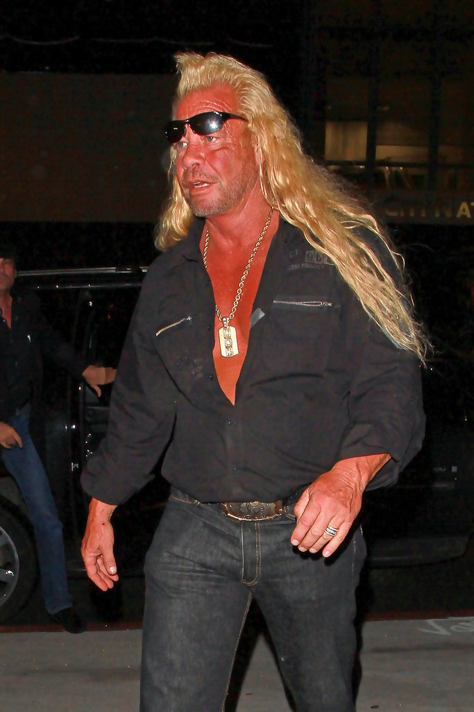 Beth chapman in duane chapman out and about in la zimbio for Duane chapman dog the bounty hunter
