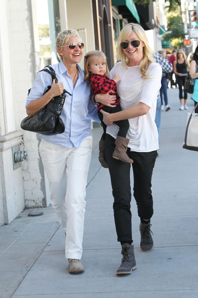 Ellen Degeneres Y Portia De Rossi Solidarias Pictures to pin on ...