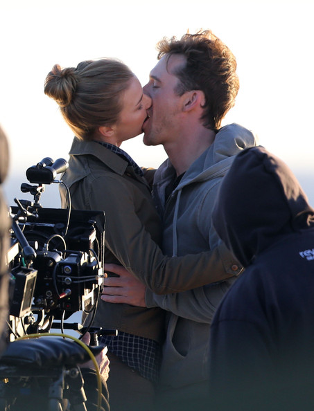 emily vancamp and barry sloane photos photos scenes from