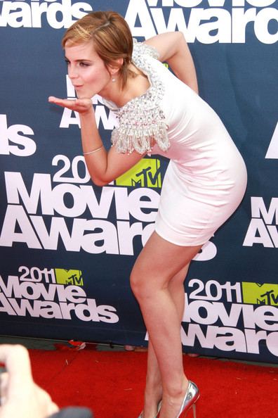 emma watson mtv movie awards dress. The 2011 MTV Movie Awards in
