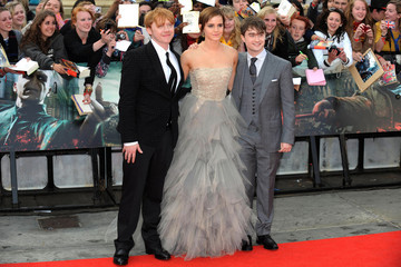 """Daniel Radcliffe Emma Watson Red Carpet of """"Harry Potter & The Deathly Hallows Part 2"""""""