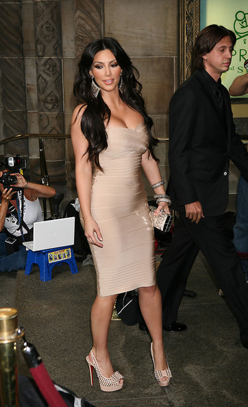 Kim Kardashian Kim Kardashian wears a figure-hugging Herve Leger dress as she arrives at New York's Cipriani restaurant for the wedding of former MTV VJ LaLa Vasquez and her basketball beau Carmelo Anthony. Lala wore a Vera Wang wedding gown as she exchanged vows with Carmelo, who she has been engaged to since Christmas Day 2004. Their 3-year-old son Kiyan served as ring bearer.
