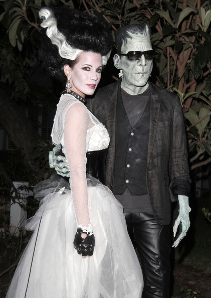 Frankenstein and the Bride of Frankenstein, Len Wiseman and Kate Beckinsale, head out in full costume on Halloween night