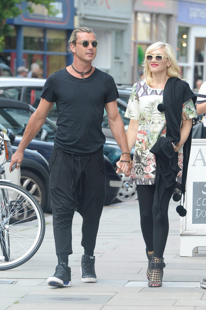 gwen stefani and family hit the london streets part 2. Black Bedroom Furniture Sets. Home Design Ideas