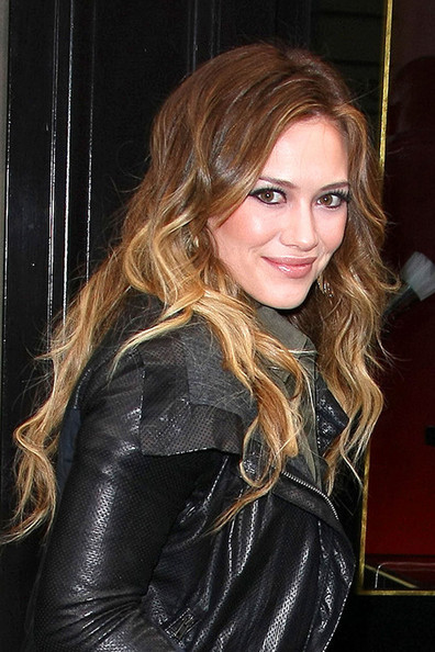 Hilary Duff A fresh-faced Hilary Duff arrives at the NRJ Radio station in Paris. Hilary appeared to be enjoying her time in the French captial, Tweeting;