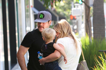 Hilary Duff Mike Comrie Hilary Duff and Luca Get Lunch