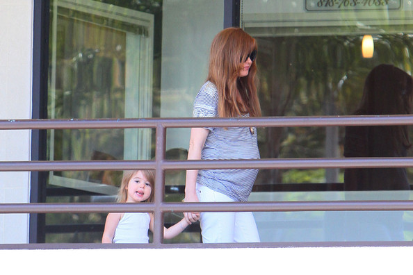 isla fisher daughter olive. Isla Fisher Picks Her Daughter