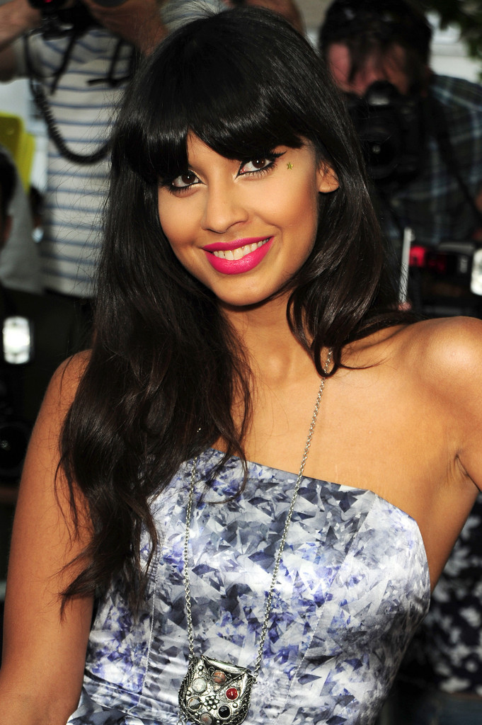 Jameela Jamil Calls For Body Confidence Education To Be On: The Glamour Women Of The Year