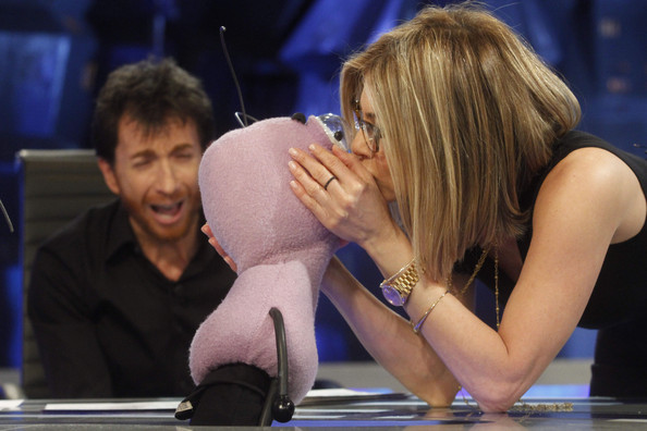 "Jennifer Aniston Jennifer Aniston makes a guest appearance on the Spanish science and comedy show ""El Hormiguero"". Jen and her co-star Adam Sandler were on the show to promote their latest movie, ""Just Go With It"". The actress was showing off her new blonde bob."