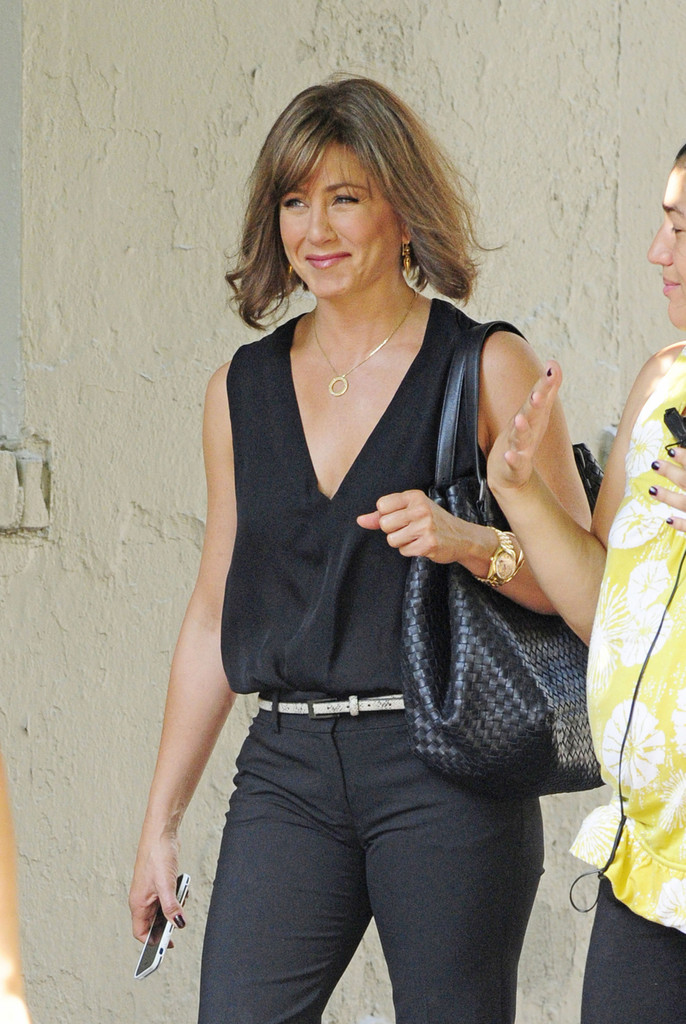 jennifer aniston and will forte film in nyc part 2 zimbio. Black Bedroom Furniture Sets. Home Design Ideas