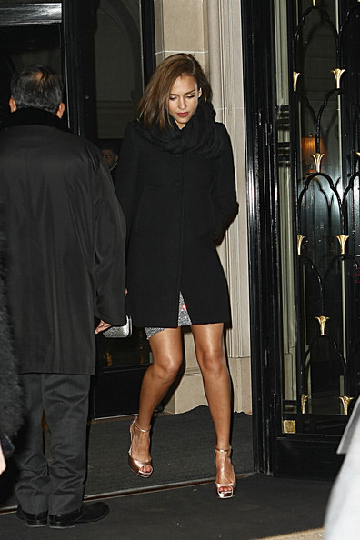 Jessica Alba shows off her sparkly gams as she arrives at the Gucci party