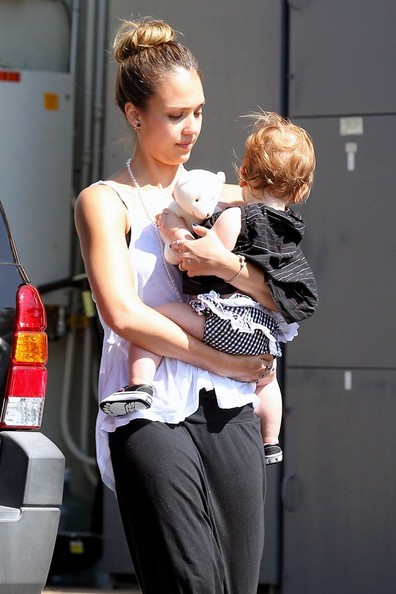 Jessica Alba - Jessica Alba Takes Her Daughter to Work