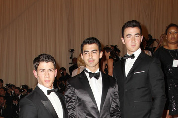 Jonas Brothers Celebs on the Red Carpet at the Met Gala in NYC 2