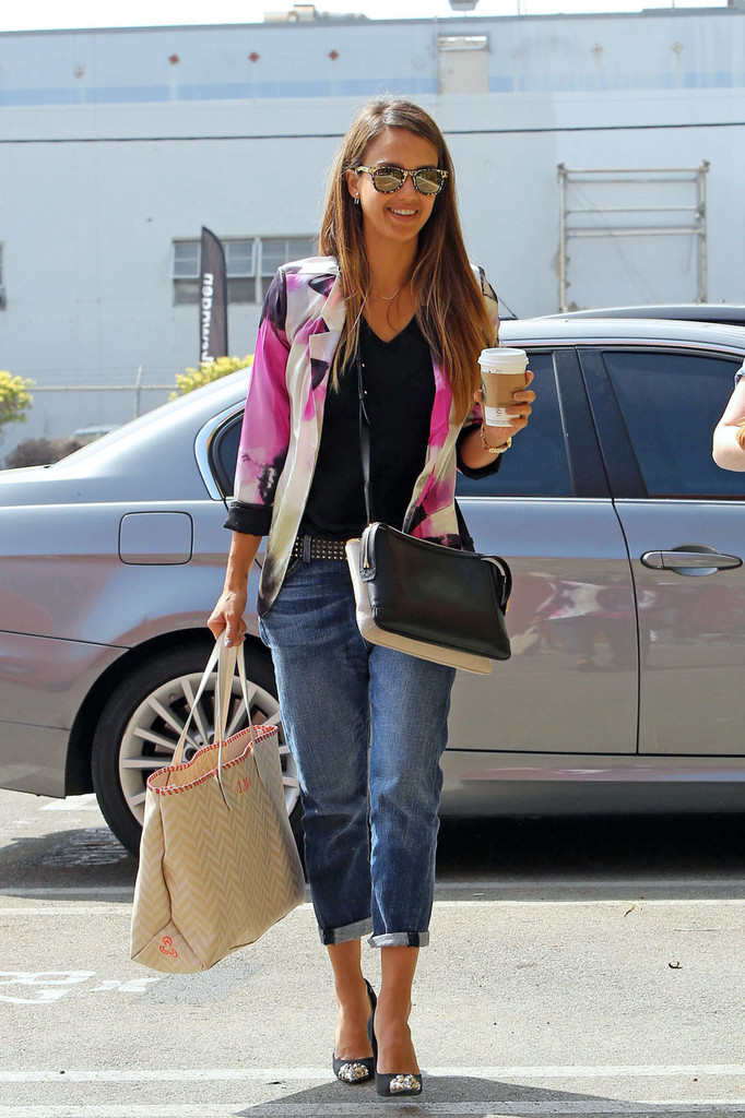 Jessica Alba Makes a Coffee Run in LA