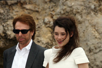 Penelope Cruz Astrid Berges Frisbey Johnny Depp and Penelope Cruz at the Eden Roc Hotel