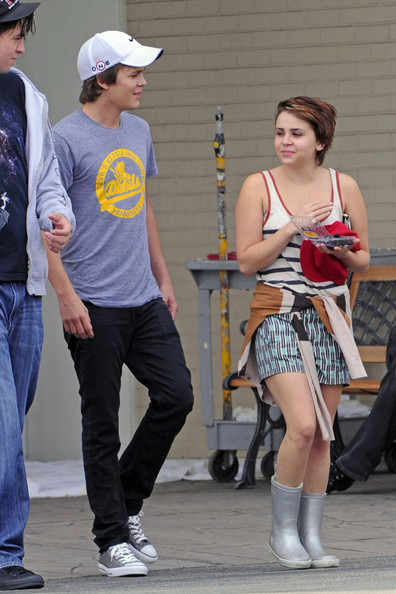 whitman personals Mae whitman had her breakthrough role at 6 now the actress is 26 and starring as amber in parenthood on october 9, amber tells her ex that she is pregnant.